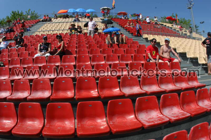 fotos des tribunes circuit de catalogne forfaits et billets gp barcelone. Black Bedroom Furniture Sets. Home Design Ideas