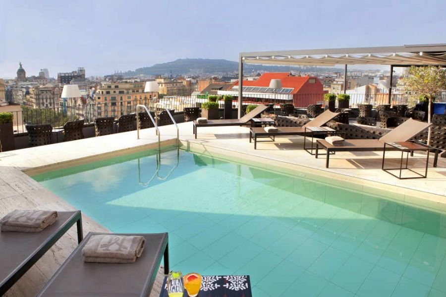 Vip forfait f1 barcelone h tel magestic forfaits et for Piscine majestic
